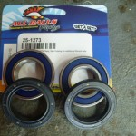 New bearing kit with seals