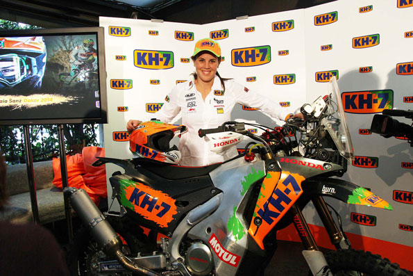 Laia Sanz shows Dakar Honda